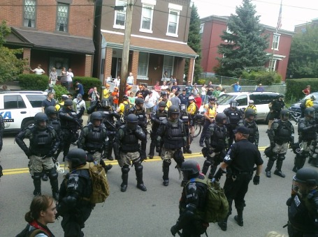 Many police in riot gear, Pittsburgh, PA, Sept. 24, 2009